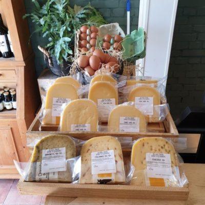 Biologische kaas Hooge Stoep | Biologische vlees en meer in de boerderijwinkel BoerenBeef Nieuw Balinge