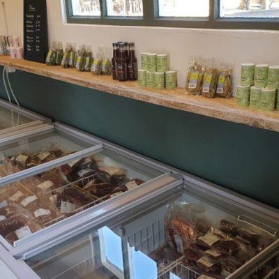 Biologische assortiment Hooge Stoep | Biologische vlees en meer in de boerderijwinkel BoerenBeef Nieuw Balinge